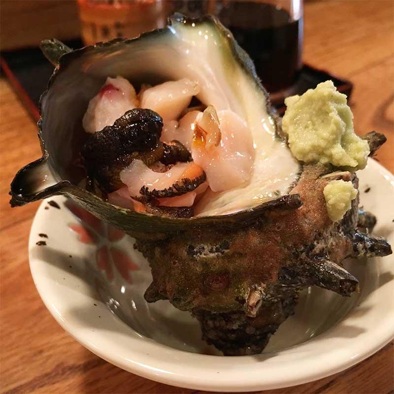 魚八寿司の金目寿司に付いてくるサザエ