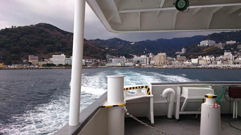 高速船からの熱海港